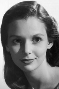 susan strasberg height